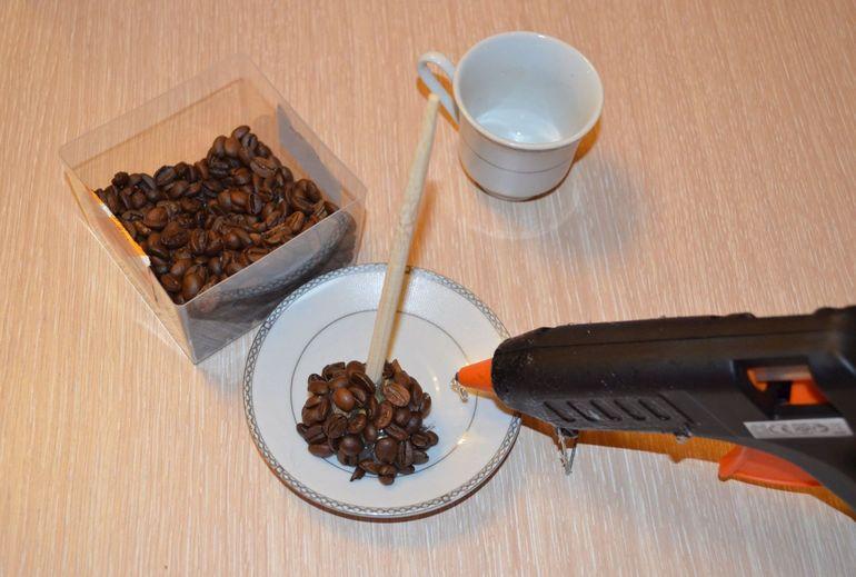 Как клеить кофейные зерна
