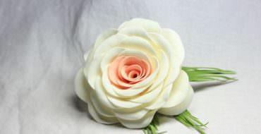 Роза из фоамирана, фото