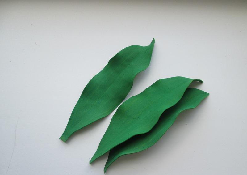 Листья лилии из фоамирана