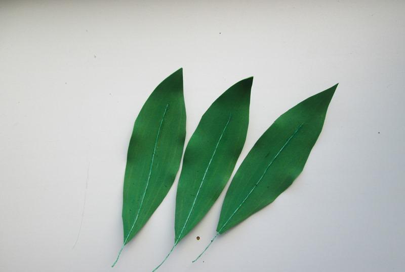 Листья для веточки лилии из фоамирана