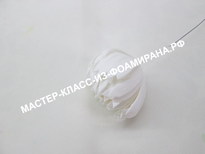 Хризантема « Shamrock» из фоамирана на стебле: пошаговый мастер-класс