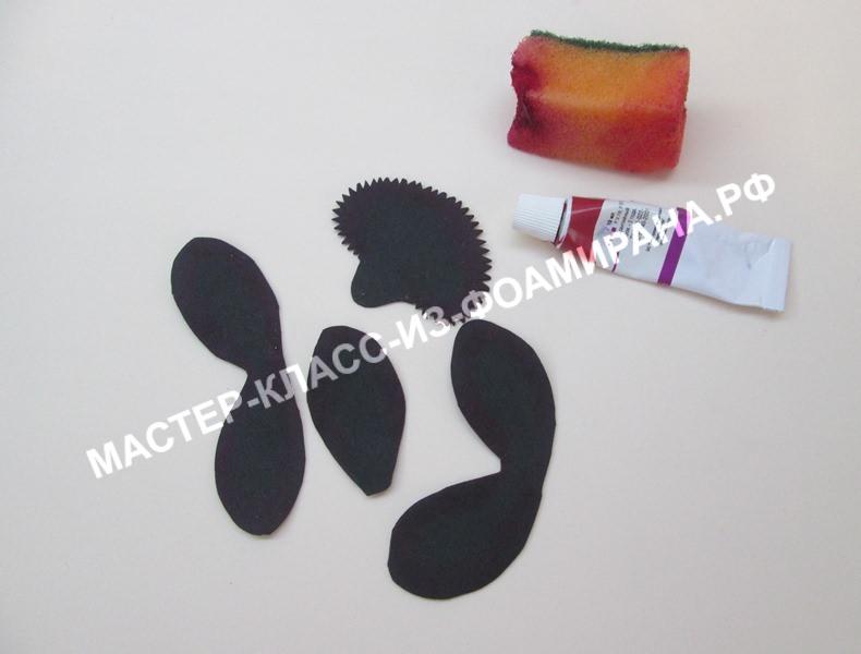 Вырезаем лепестки черной орхидея из фоамирана, фото