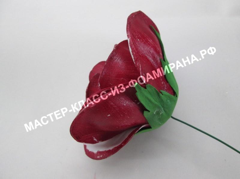 приклеивание чашелистика к розе