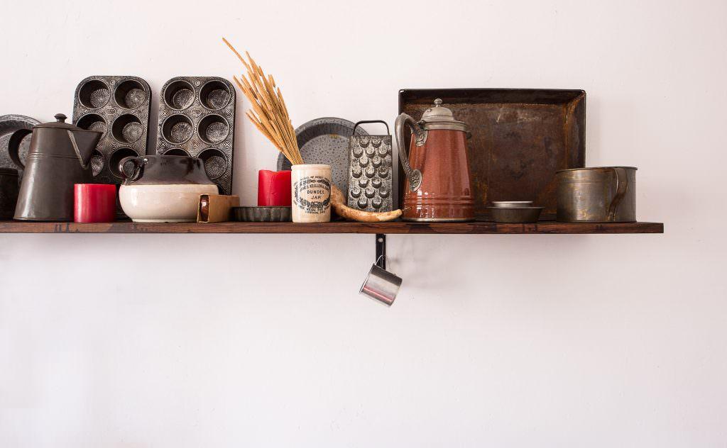 Как хранить домашнюю утварь, если не хватает места