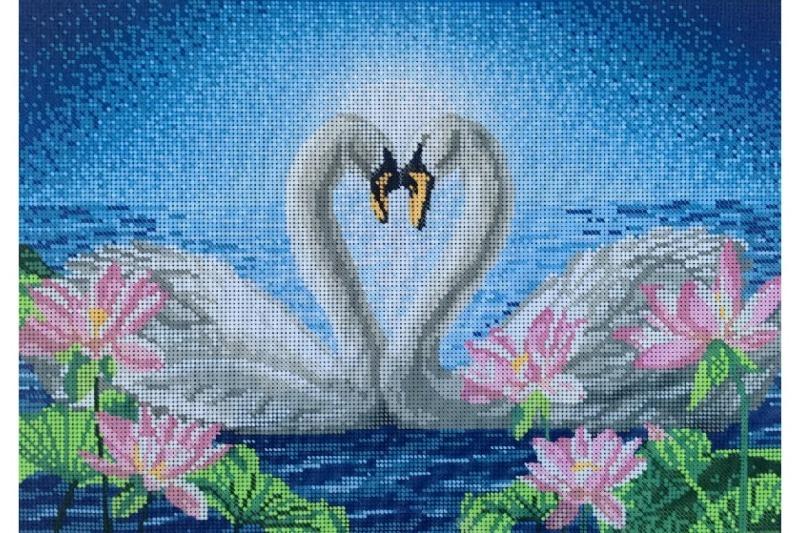 Вышивка с лебедями