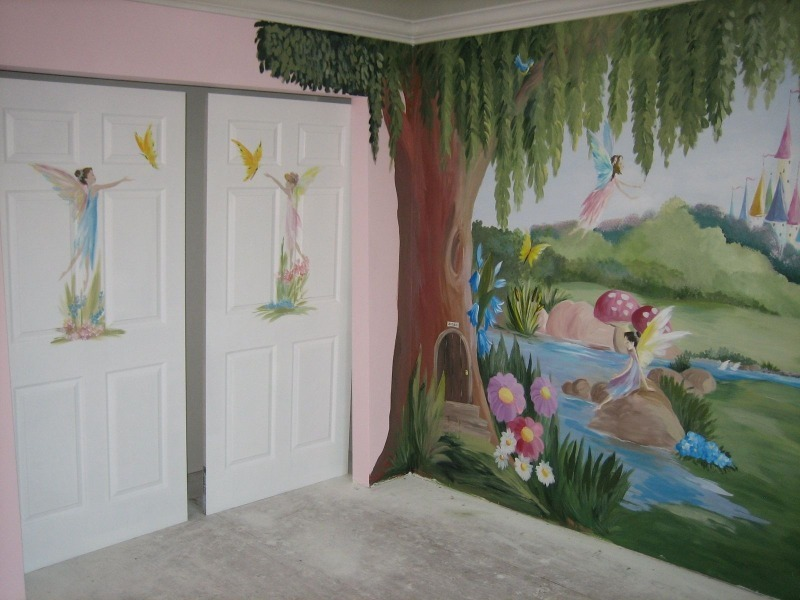 Хозяйки, которые не боятся удивлять: они расписали стены красками, и вот что из этого получилось