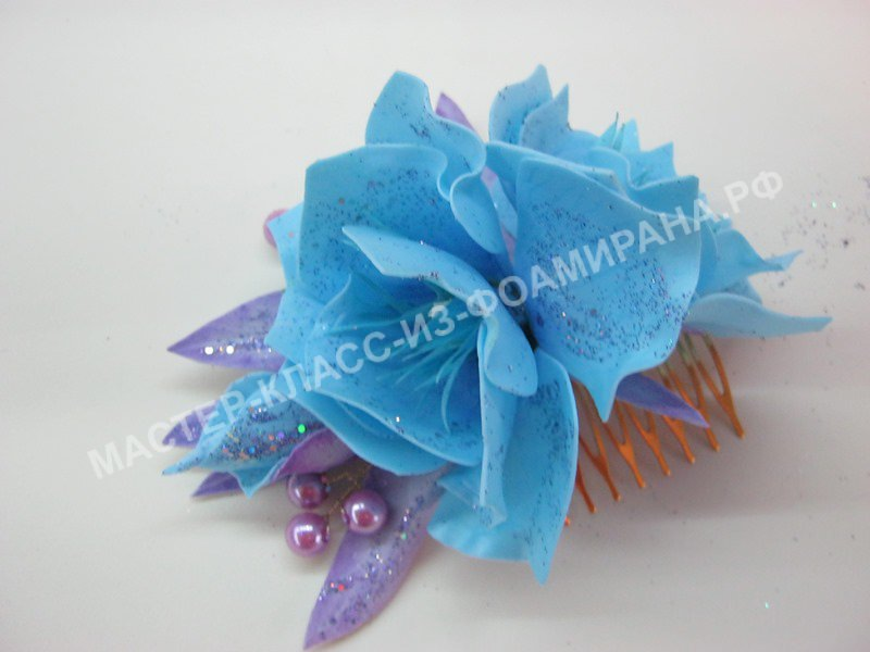 Новогоднее украшение для волос со цветами из фоамирана,пошаговое фото.