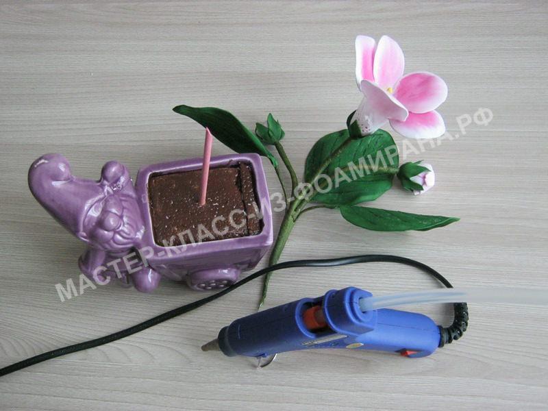 крепления цветка в кашпо