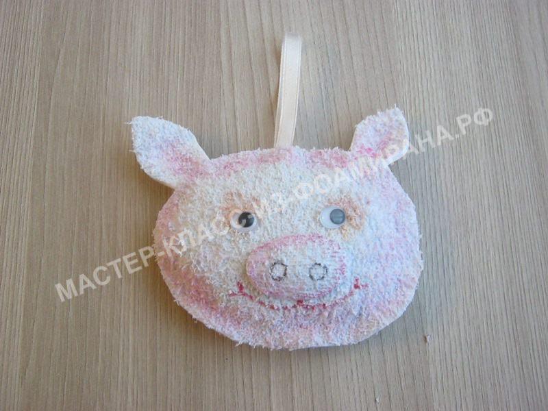 Мастер-класс игрушка на елку из фоамирана, пошаговое фото.